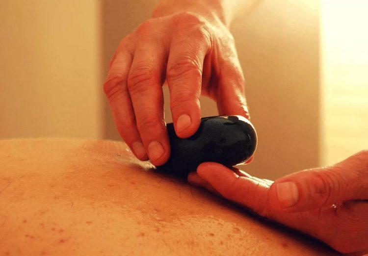 как выполняют сеанс массажа для предстательной железы в салоне Москвы