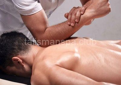 как массажист использует спортивные премы в массаже